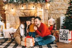 La Navidad Family fotos de archivo libres de regalías