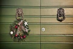 La Navidad festiva de la guirnalda Foto de archivo libre de regalías