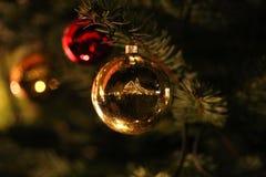 La Navidad hermosa y Años Nuevos de escena Imagenes de archivo