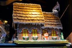 La Navidad justa en la ciudad de Baku, casa de campo dulce - una empanada Imágenes de archivo libres de regalías