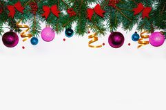La Navidad Marco de la Navidad hecho de ramas del abeto Juguetes del ` s del Año Nuevo Papeles pintados de la Navidad Visión plan Foto de archivo
