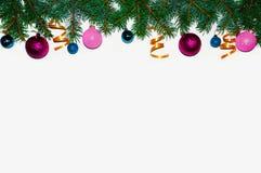 La Navidad Marco de la Navidad hecho de ramas del abeto Juguetes del ` s del Año Nuevo Papeles pintados de la Navidad Visión plan Fotos de archivo