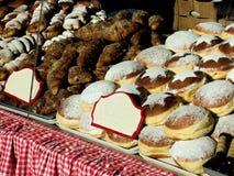 La Navidad se apelmaza en el mercado de la Navidad de Viena Fotografía de archivo