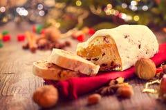 La Navidad tradicional Stollen fotografía de archivo