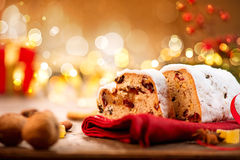 La Navidad tradicional Stollen imágenes de archivo libres de regalías