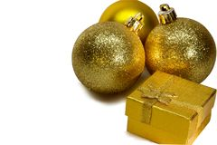 La Navidad y Año Nuevo decoración festiva, bolas del oro Fotografía de archivo libre de regalías
