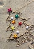La Navidad y Año Nuevo en la playa Fotos de archivo
