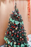 La Navidad y Años Nuevos de abeto de composición del árbol Fotografía de archivo libre de regalías