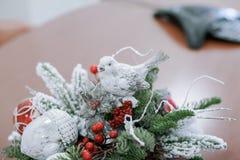 La Navidad y Años Nuevos de composición de las flores Fotos de archivo
