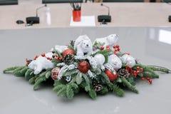 La Navidad y Años Nuevos de composición de las flores Imagen de archivo