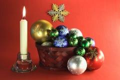 La Navidad y de Noche Vieja el etude de la decoración. Imagen de archivo libre de regalías