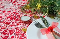 La Navidad y el Año Nuevo presentan el cubierto con decoros de la Navidad fotos de archivo libres de regalías