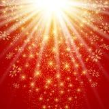 La Navidad y Felices Año Nuevo en el fondo rojo con los copos de nieve de oro Ilustración del vector Foto de archivo libre de regalías