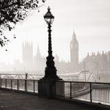 La nebbia pesante colpisce Londra Immagine Stock Libera da Diritti