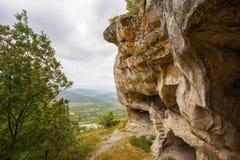 La necropoli della città antica della caverna Immagini Stock Libere da Diritti