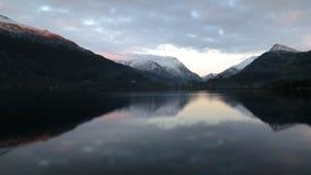 La neige a complété des montagnes Image libre de droits