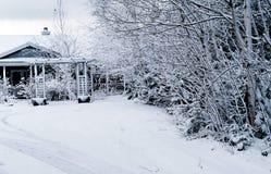 La neige a couvert à la maison Image stock