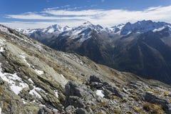 La neige a couvert des crêtes de montagne, Italie du nord image libre de droits