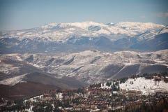 La neige a couvert des montagnes Images libres de droits