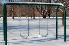 La neige a couvert des oscillations Images libres de droits