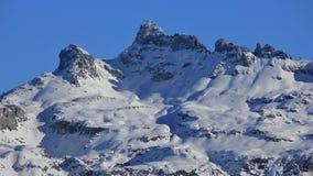 La neige a couvert la montagne Charpf brut images libres de droits
