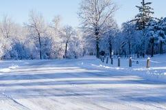 La neige a couvert la route Photo libre de droits