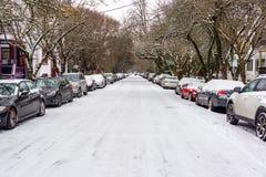 La neige a couvert la rue Photographie stock libre de droits