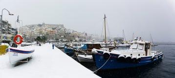 La neige a couvert la ville Image stock
