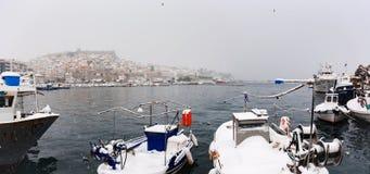 La neige a couvert la ville Photographie stock libre de droits