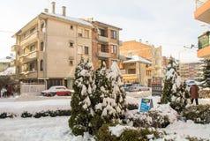 La neige dérive dans Pomorie, Bulgarie, l'hiver 2017 Photographie stock libre de droits