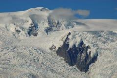La neige de parc national du l'Alaska-Wangell a couvert des crêtes images libres de droits