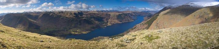 La neige dramatique a couvert des montagnes, secteur de lac, Angleterre, R-U Image libre de droits