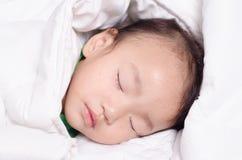 La neonata sta dormendo Fotografia Stock Libera da Diritti