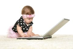 La neonata sta giocando Fotografia Stock