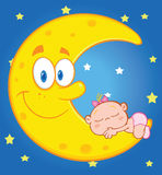 La neonata sveglia dorme sulla luna sorridente sopra cielo blu con le stelle Immagini Stock