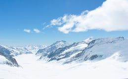 La neve ha ricoperto la montagna svizzera delle alpi a Jungfrau, Svizzera Immagini Stock Libere da Diritti