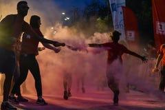 La noche Bucarest del funcionamiento del color Imagenes de archivo