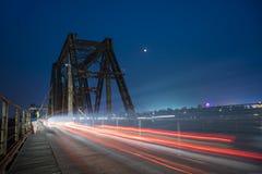 La noche en el puente largo de Bien Foto de archivo