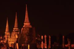 La noche en el templo de Wat Phra Sri Sanphet Fotografía de archivo