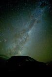 La noche estrellada en el gran camino del océano Foto de archivo