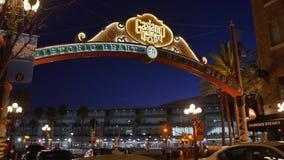 La noche que establece el tiro del cuarto de Gaslamp firma adentro San Diego metrajes