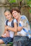 La nonna con la nipote Immagini Stock Libere da Diritti