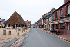 LA NORMANDIE, FRANCE 8 JANVIER : Beuvron-en-Auge village en janvier 8,2013 en Normandie, France Images stock