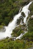 La Norvège - le parc national de Jostedalsbreen - cascade Photo libre de droits