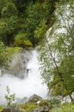 La Norvège - le parc national de Jostedalsbreen - cascade Photographie stock libre de droits