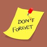 La nota appiccicosa gialla con non dimentica il messaggio sul boa Fotografia Stock