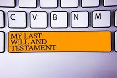 La nota de la escritura que muestra mi último y testamento Lista de exhibición de la foto del negocio de cosas que se harán despu imágenes de archivo libres de regalías