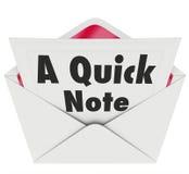 La nota rápida redacta la actualización de las noticias del mensaje de la letra del mensaje Imagen de archivo libre de regalías