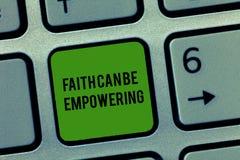 La note d'écriture montrant la foi peut autoriser Confiance de présentation de photo d'affaires et croyance en nous-mêmes que nou photographie stock libre de droits