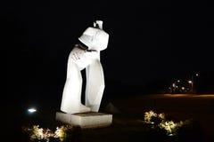 La notte ha sparato del monumento di dolore e della sfida Fotografie Stock